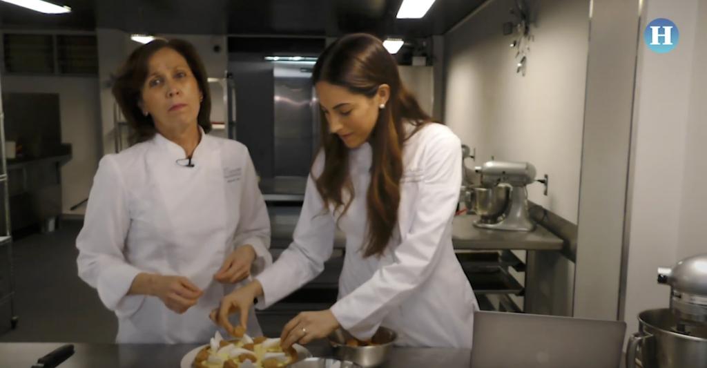 Madre e hija unidas por la pastelería