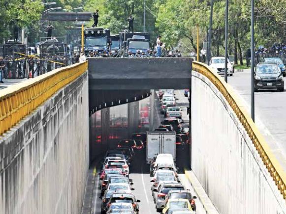Transportistas ponen en jaque la movilidad