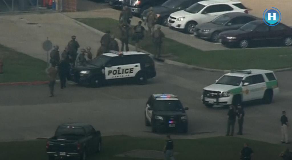 Al menos 10 muertos en tiroteo en una escuela secundaria de Texas
