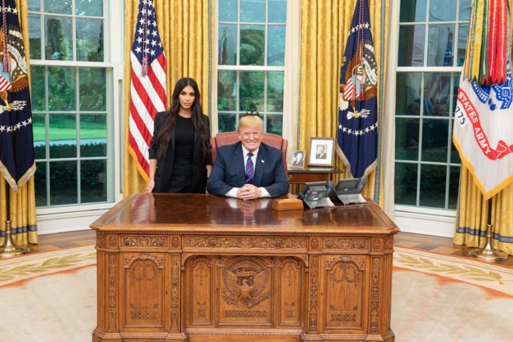 ¿A qué fue Kim Kardashian a la Casa Blanca?