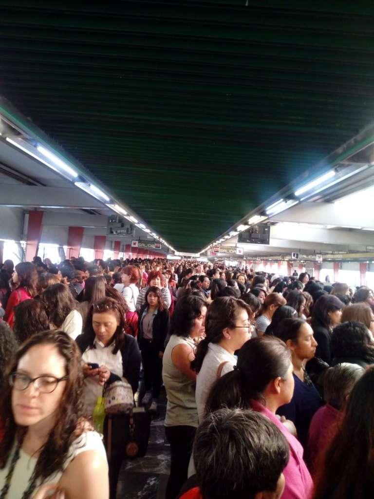 Metro reporta marcha lenta en Línea 3
