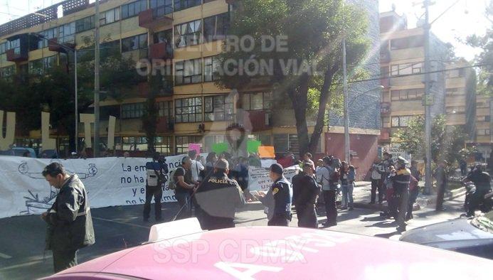 Damnificados del multifamiliar cierran Calzada de Tlalpan