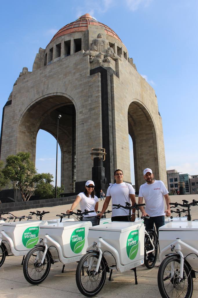 Estafeta Inicia Servicio En Bicicletas