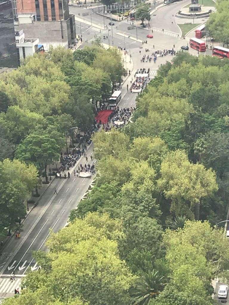 Jóvenes marchan a la Secretaría de Cultura