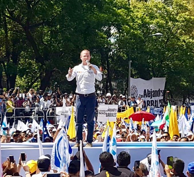 Ricardo Anaya agradece al PRD durante cierre de campaña en CDMX