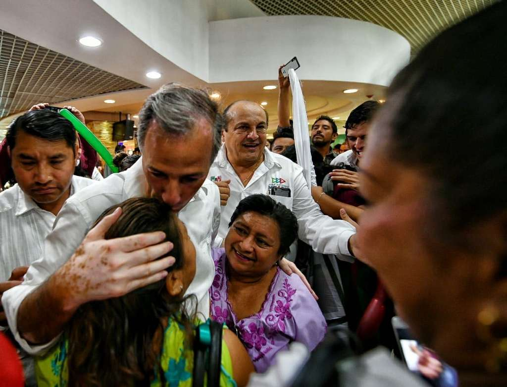 Meade se reunirá con educadores de pueblos originarios y cerrará campaña en Yucatán