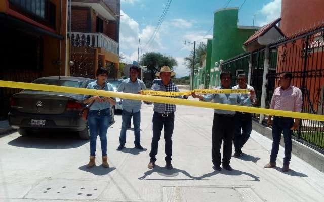 Retienen a policías y a alcalde en Hidalgo