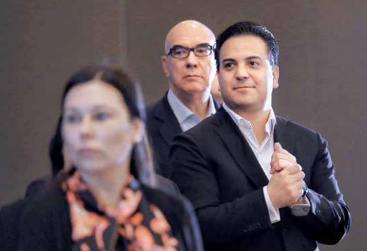Purga en el PAN; van vs. Calderón