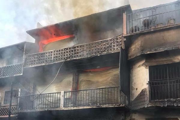 Incendio en mercado de la Huasteca Potosina deja 100 puestos dañados