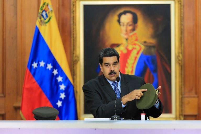 El gobernante venezolano ha señalado a sus detractores locales como responsables del fallido atentado. Foto: AFP / PRESIDENCIA VENEZUELA