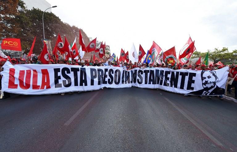 El exmandatario fue condenado como beneficiario de un apartamento en el litoral paulista, ofrecido por una constructora para obtener su mediación en contratos con Petrobras. Foto AFP