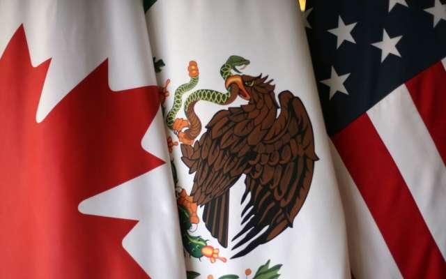 México, Canadá y EU vienen negociando desde hace un año para salvar ese acuerdo de libre comercio que Trump considera nefasto para su país. Foto:  Reuters