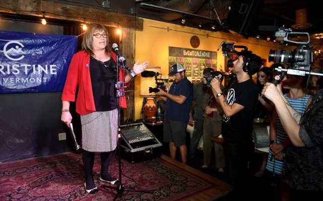 Christine Hallquist ganó el martes la nominación como candidata del Partido Demócrata a la gobernación del estado de Vermont. REUTERS/Caleb Kenna
