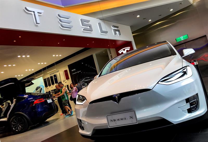 Los actuales accionistas de Tesla se oponen al acuerdo que propuso en Twitter hace tres semanas
