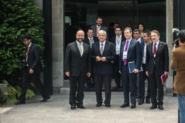 López Obrador dijo que trató con los rectores temas de ampliar matrículas en las escuelas y el presupuesto. FOTO: CUARTOSCURO