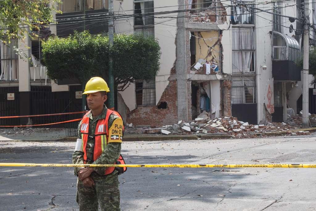 Claudia Sheinbaum continúa con su recorrido por las zonas afectadas por el terremoto del 19S. FOTO: ARCHIVO/ CUARTOSCURO