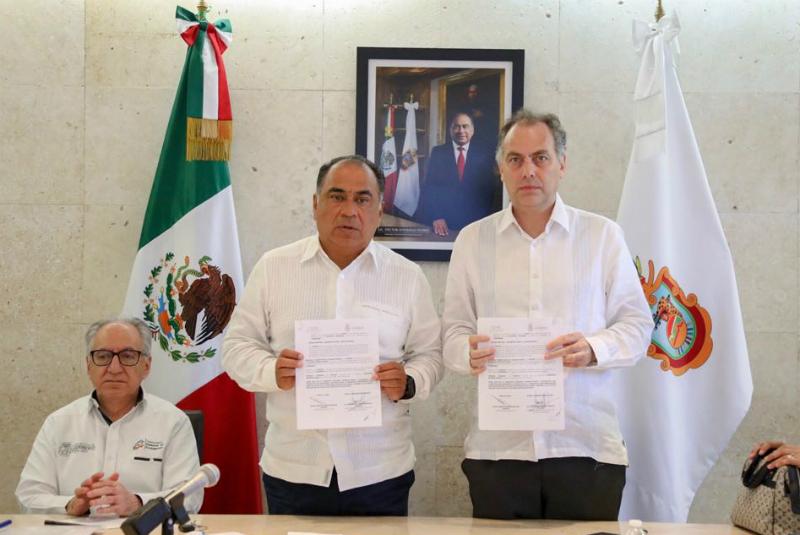 El gobernador Héctor Astudillo y el Presidente de la Comisión Ejecutiva de Atención a Víctimas, Jaime Rochín, validan el proyecto de identificación forense en Guerrero