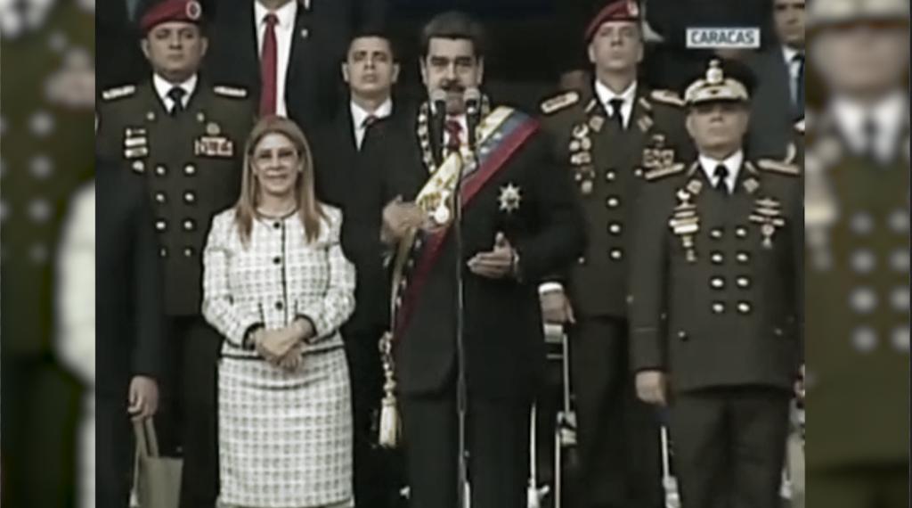 Marchan venezolanos en apoyo a Nicolás Maduro