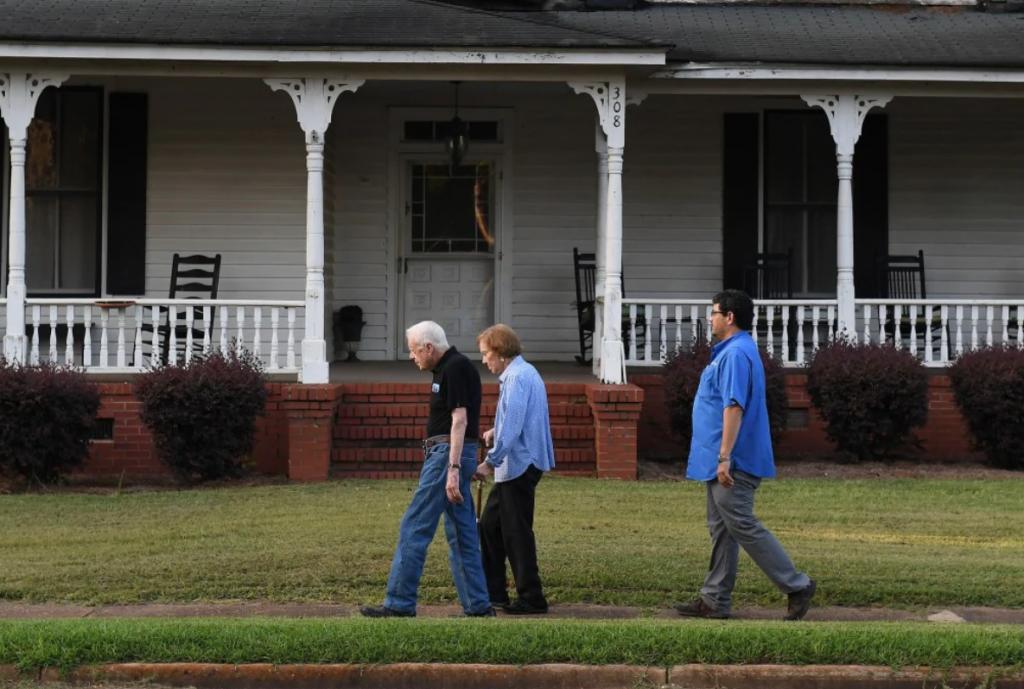 Carter trata de evitar los lujos y de acuerdo con TWP, la casa en que reside, en compañía de su esposa, vale alrededor de 167 mil dólares / FOTO: The Washington Post