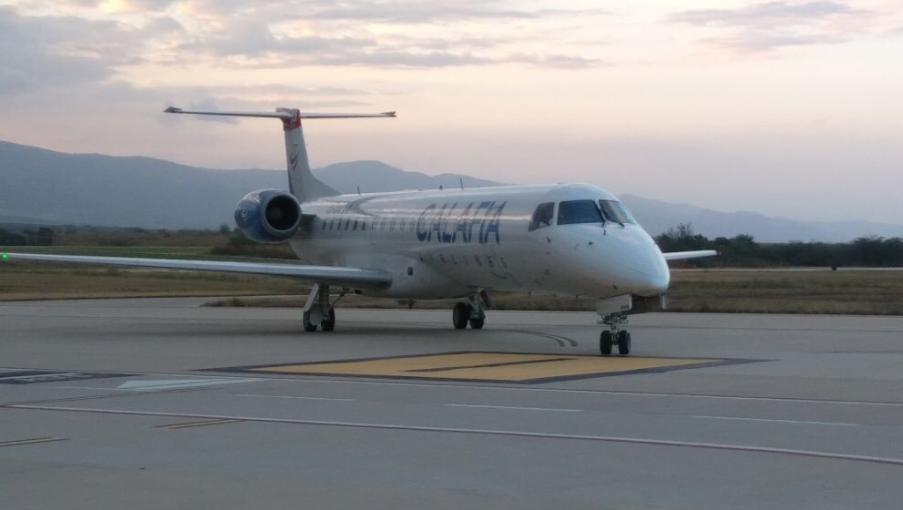 Un avión de la aerolínea Calafia Airlines. Foto: @AeropuertosASA