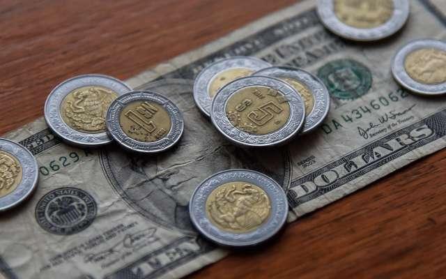 Esta mañana, el dólar estadounidense se cotiza hasta en 19.44 pesos. FOTO: CUARTOSCURO