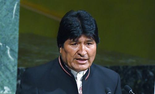 Evo Morales contrató uno de los aviones bomberos más grandes del mundo y otras aeronaves locales para apoyar con ese objetivo FOTO: ARCHIVO/ AP