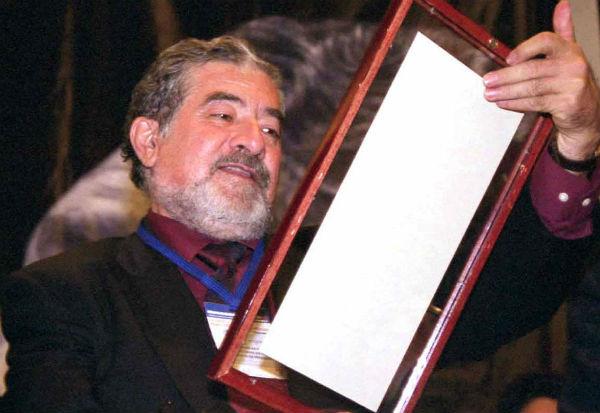 El escritor colaboró en varios medios de comunicación y fue premiado por su trayectoria periodística