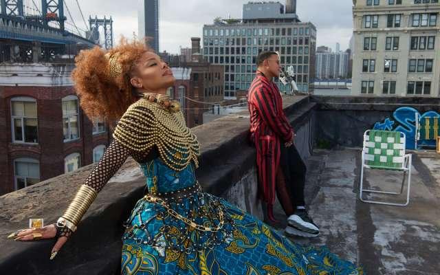 El video Afrocéntrico cuenta con personas de Ghana, Nigeria, Trinidad y Tobago y EU y un vestuario lleno de detalles y color (Foto: Especial)