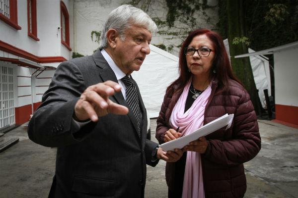 El presidente electo arribó al filo de las 10:00 horas a las instalaciones de la casa localizada en la calle de Chihuahua 216. FOTO: NOTIMEX