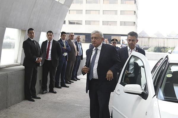 El presidente electo arribó al Club de Empresarios Bosques. FOTO: CUARTOSCURO