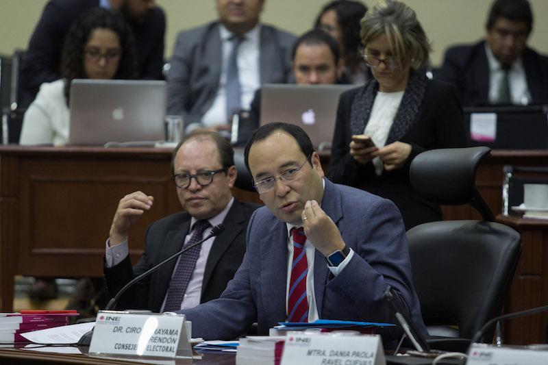 Ciro Murayama, consejero Electoral durante la sesión ordinaria  en el INE FOTO: GALO CAÑAS /CUARTOSCURO.COM