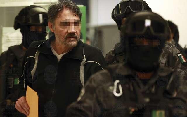 Traslado al presunto miembro del cartel de Sinaloa Dámaso López Núñez.  FOTO: PGR  /CUARTOSCURO.COM