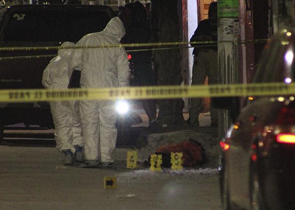 En el lugar localizaron metralletas, droga y dinero. FOTO: CUARTOSCURO