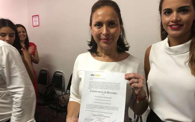 Priistas reciben constancia como alcaldes electos en Monterrey y Guadalupe