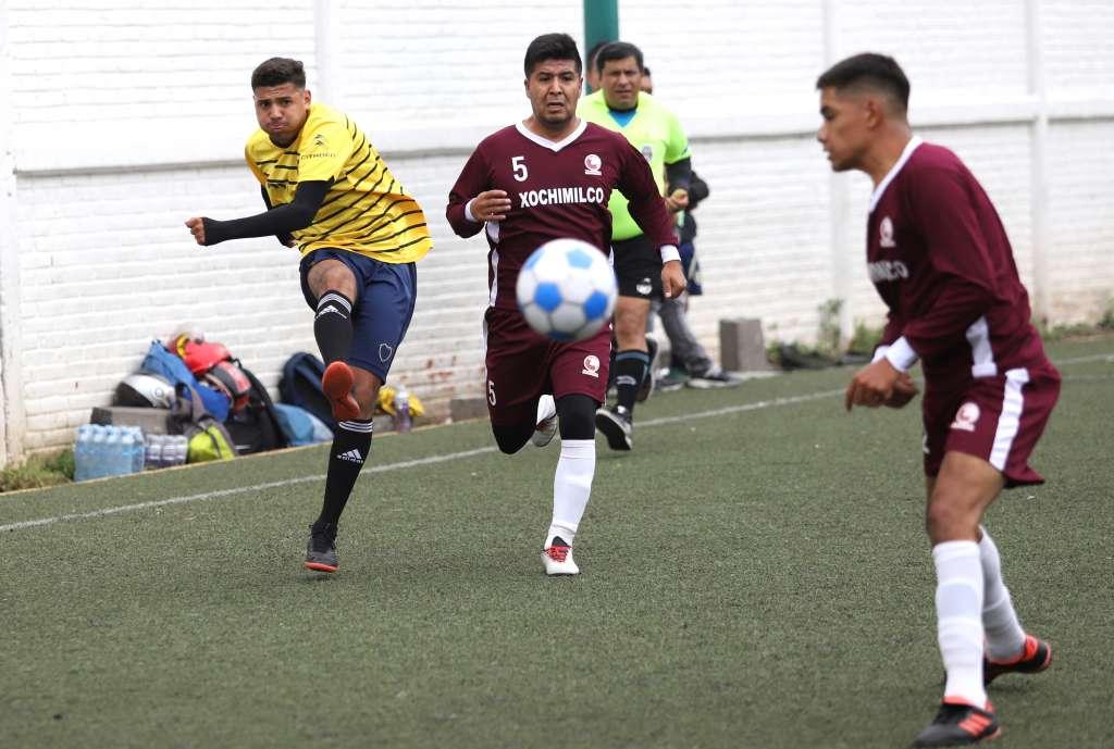 Adrián Jiménez (5) es el jugador más experimentado de la escuadra de Xochimilco (Foto: VÍCTOR GAHBLER)