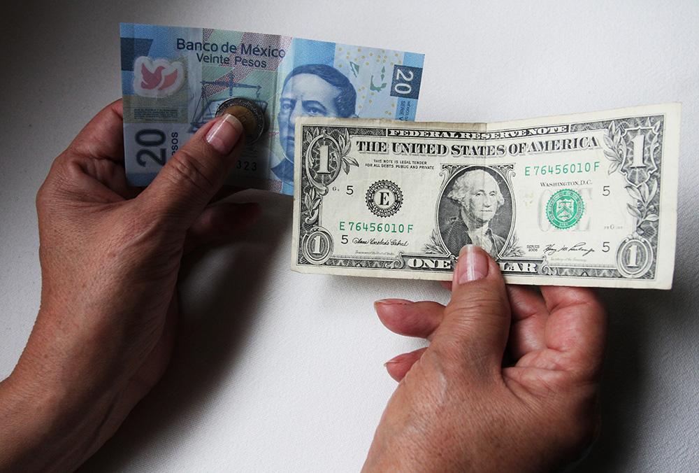 0.50 por ciento avanza el dólar bancario en el año. Foto: Cuartoscuro