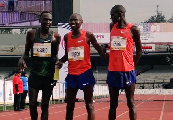 Los kenianos se llevaron el 1,2,3 del Maratón de la Ciudad de México en la rama varonil. FOTO: @MaratonCdMx