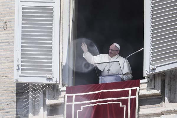 Este lunes el Papa Francisco fue más lejos y empleó palabras más duras para referirse al caso. FOTO: AFP