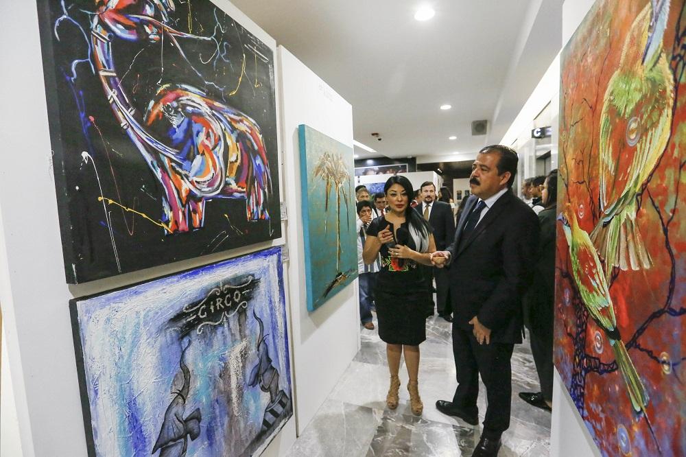 La exposición está conformada por 40 obras de 19 artistas oaxaqueños (Foto: Especial)