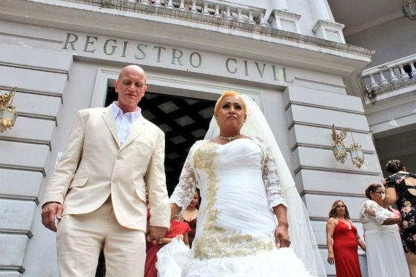 FOTO: @c_navarreteMX / Danna Paola, de 42 años, se convirtió en la primera mujer trans en celebrar su matrimonio en este estado.