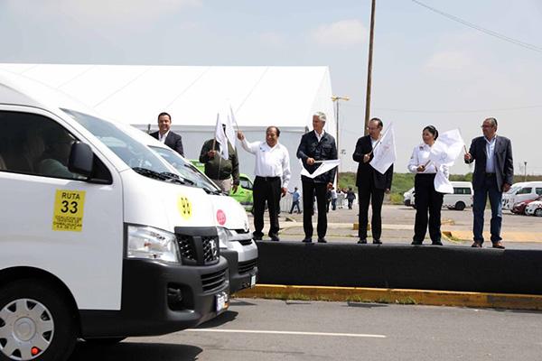 El ejecutivo estatal apuntó que los vehículos estarán vigilados desde los dos centros C5. FOTO: JOSÉ RÍOS