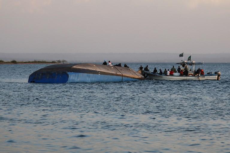 La gente es consciente de que las esperanzas de encontrar supervivientes son casi nulas, informaron medios. FOTO: AFP