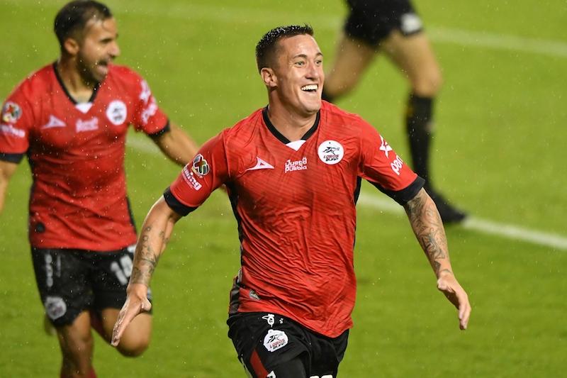 Lobos BUAP vence 3-1 a Morelia. Foto Mexsport