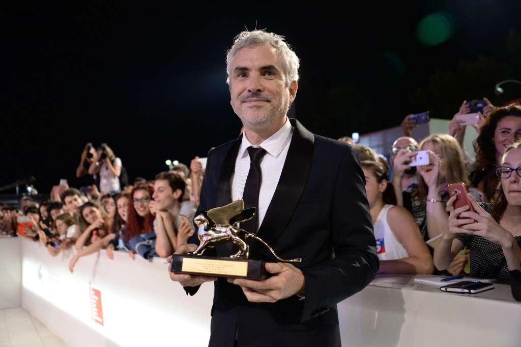 Alfonso Cuarón presentó la mejor película de la 75 edición del Festival de Venecia, algo que reconoció crítica y público desde su primera proyección y que fue reafirmado hoy por el jurado al concederle por unanimidad el León de Oro. Foto: EFE