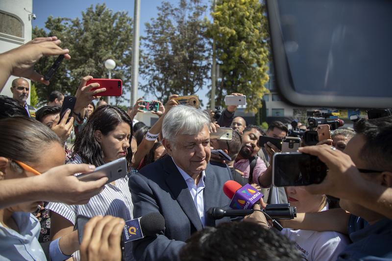 El Presidente electo de México, Andrés Manuel López Obrador, se encuentra de visita en la ciudad de Tijuana para reunirse con el gobernador de Baja California, Francisco Vega de Lamadrid. NOTIMEX FOTO EDUARDO JARAMILLO