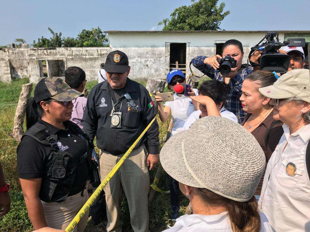 10 colectivos de desaparecidos logran ingresar a fosa de Alvarado en Veracruz