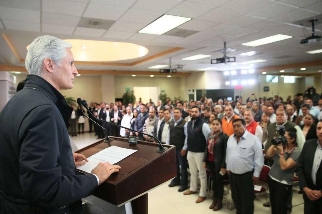 El gobernador Alfredo Del Mazo se reunió con los 125 alcaldes electos. FOTO: ESPECIAL