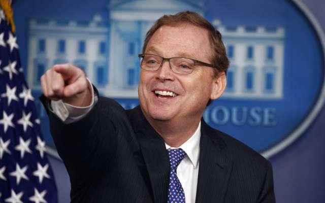 ANTICIPACIÓN. Kevin Hasset, asesor económico de la Casa Blanca, prevé llegar a un acuerdo comercial sólo con México. Foto: AP