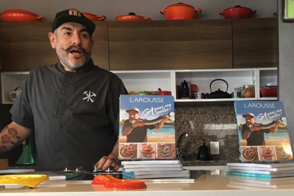 El libro además de recetas lleva fotografías de los platillos. FOTO: ESPECIAL