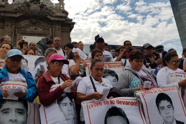 Marcharán del Ángel de la Independencia al Zócalo. FOTO: ESPECIAL